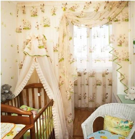 Дизайн штор для детской. Бежевый