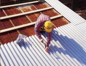 Ремонт крыши гаража шифером
