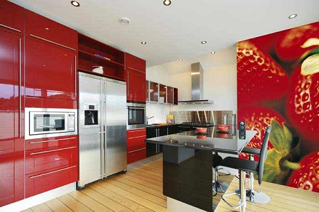 Фотообои в интерьере кухни. Наклейка от пола до потолка