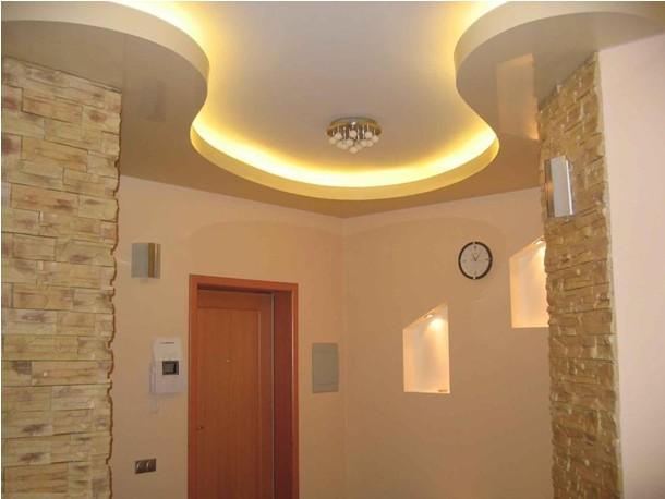 Дизайн коридора и прихожей . Навесной потолок